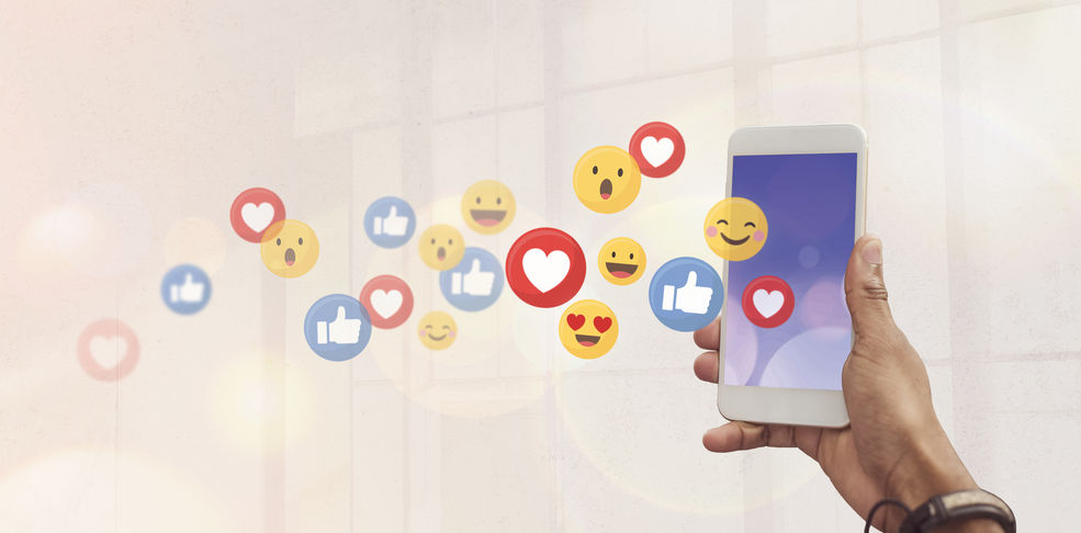 #49plus Social Media